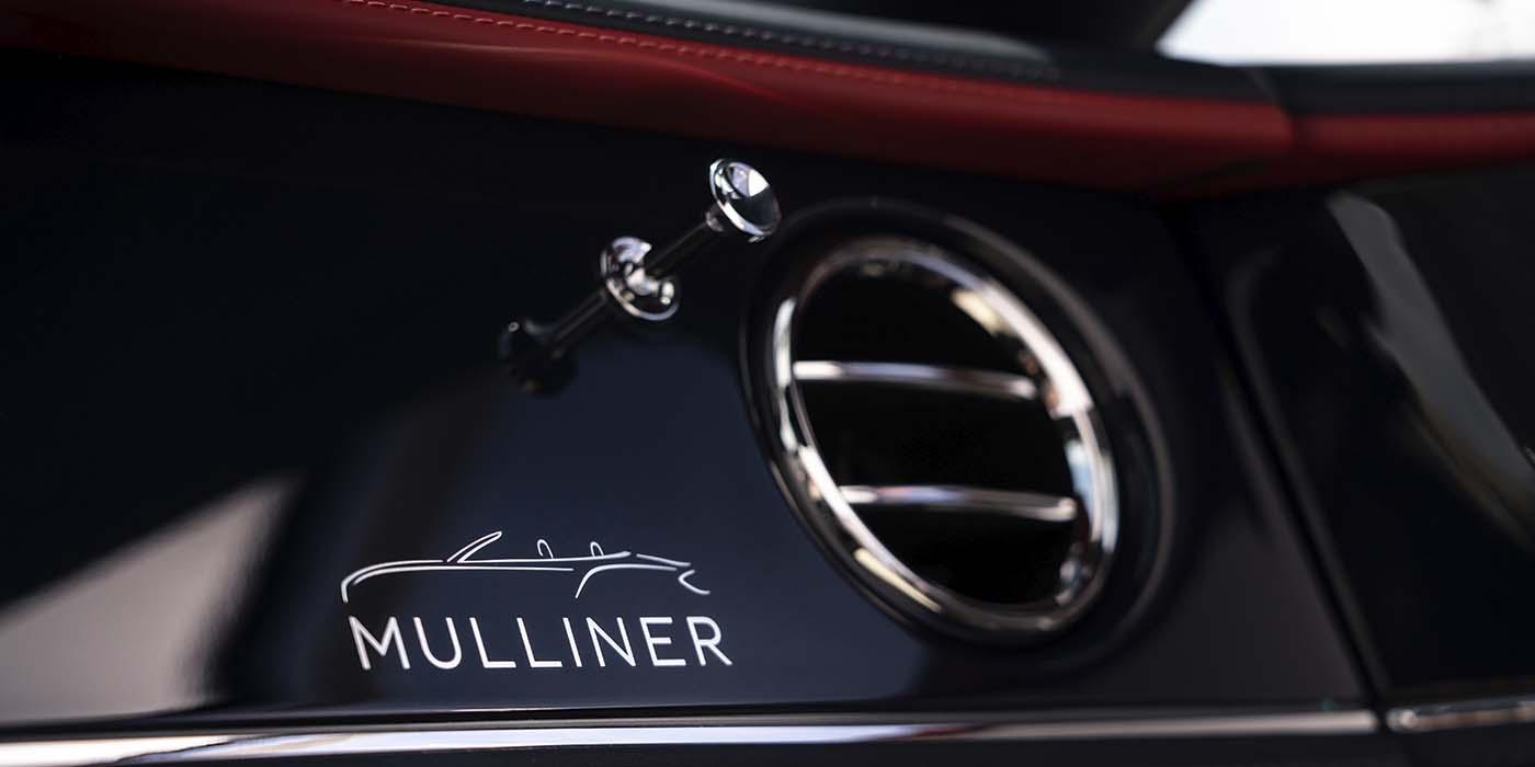 Bentley-Continental-GT-Mulliner-Convertible-with-Mulliner-signature-veneer-detail-on-Piano-Black-veneer